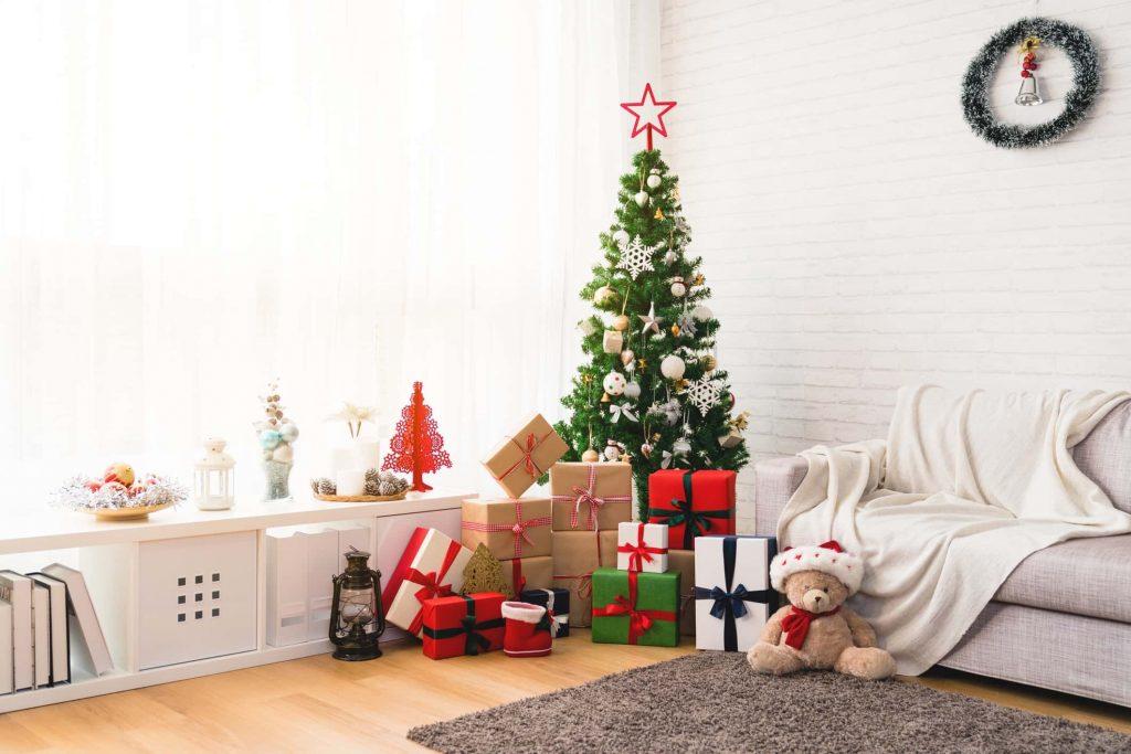 Aprenda a montar uma decoração de natal simples e econômica